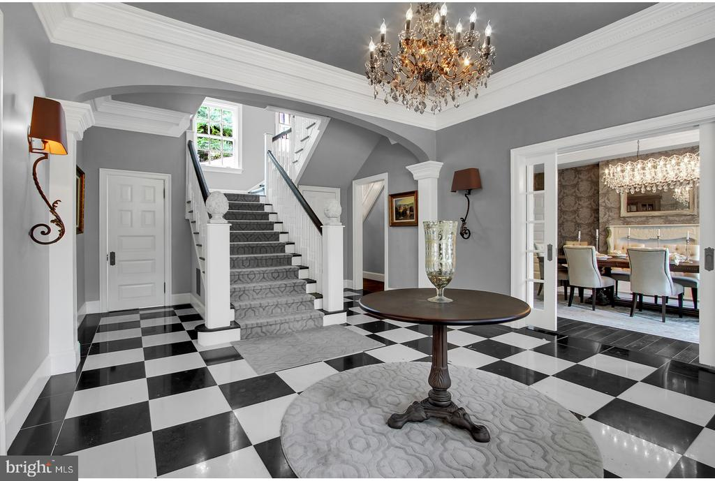 LARGE GRACIOUS FOYER WITH CLASSIC DETAILS - 1848 CIRCLE RD, TOWSON