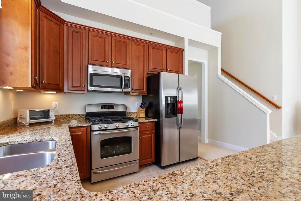Kitchen - 88 DENISON ST, FREDERICKSBURG