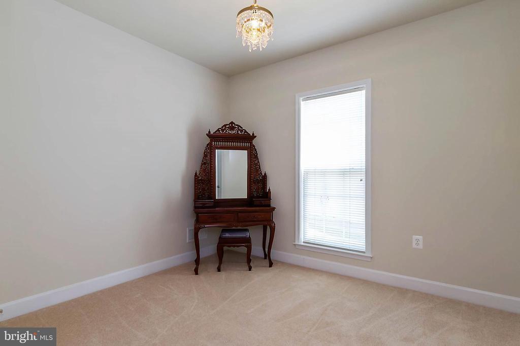 Bedroom #2 / Mail Level - 88 DENISON ST, FREDERICKSBURG