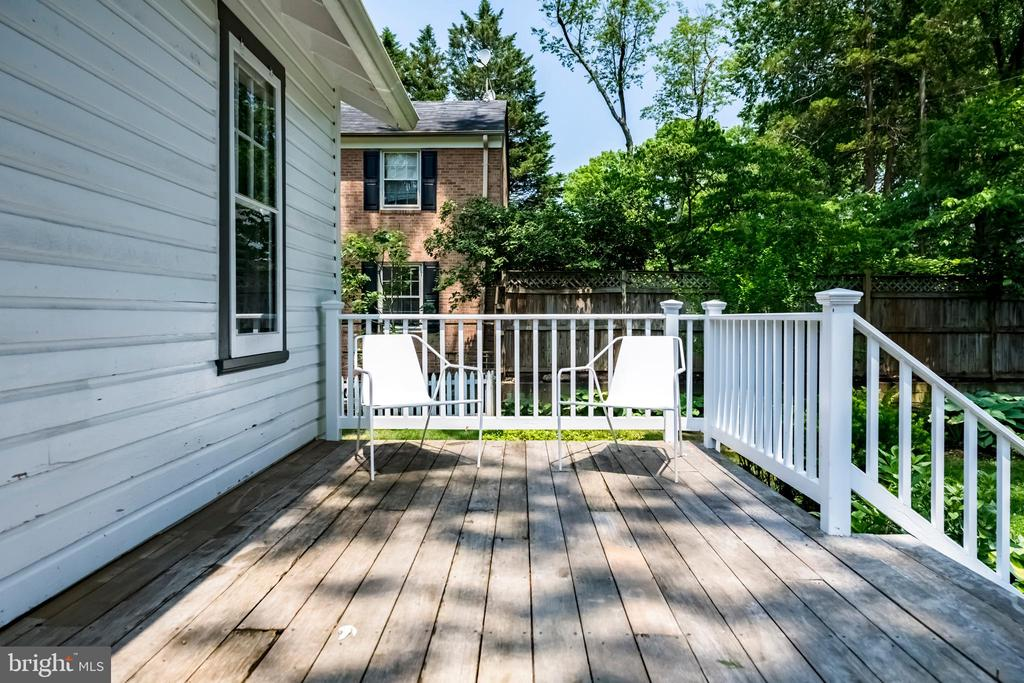 Rear deck - 4707 47TH ST NW, WASHINGTON