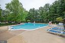 Community Pool to beat the humidity ! - 3101 S MANCHESTER ST #516, FALLS CHURCH