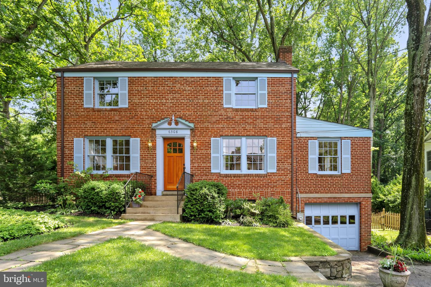 Single Family for Sale at 6308 Alcott Rd Bethesda, Maryland 20817 United States