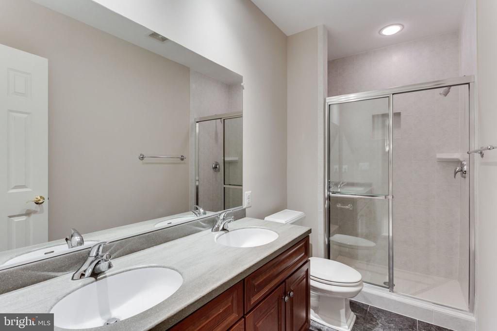 Full Bathroom in Lower Level - 1446 HARVEST CROSSING DR, MCLEAN