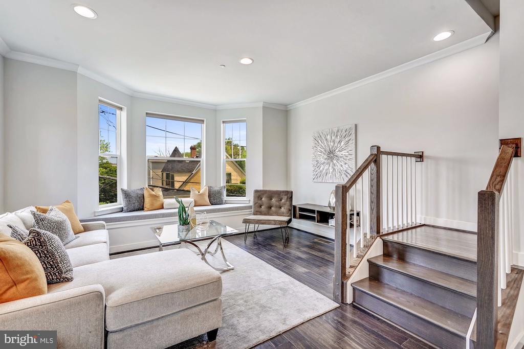 Living room - 3338 7TH ST NE, WASHINGTON