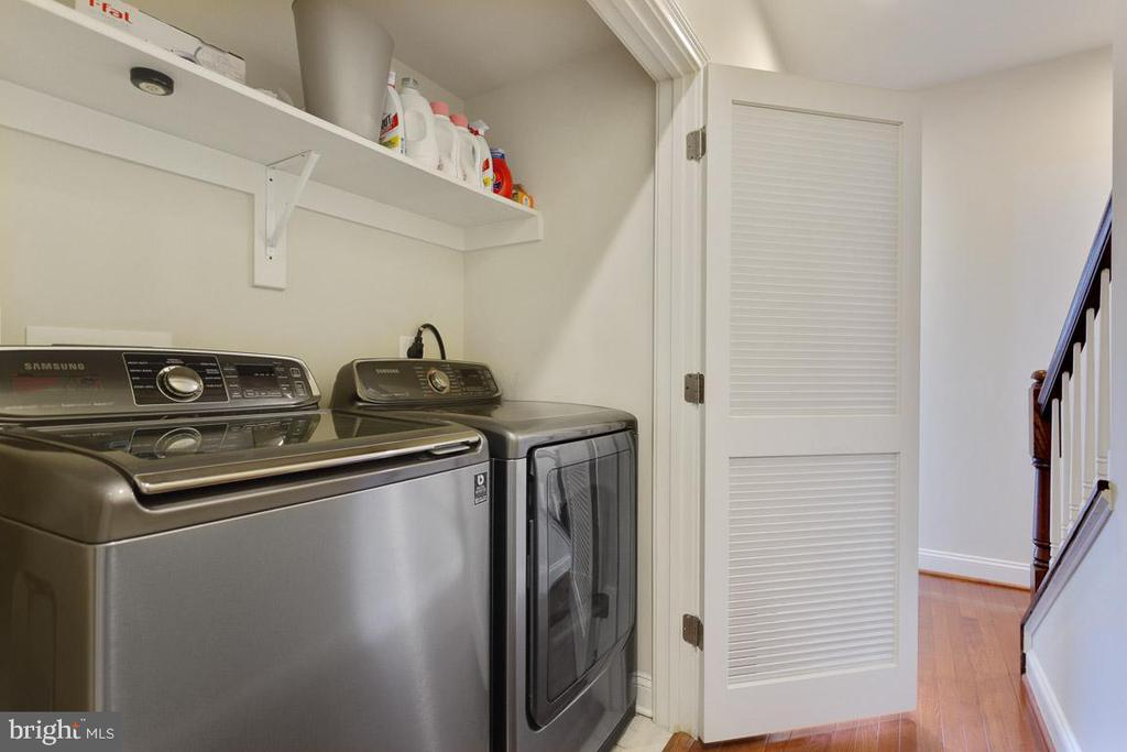 High Efficiency Full Size Washer and Dryer - 1318 DUKE ST, ALEXANDRIA