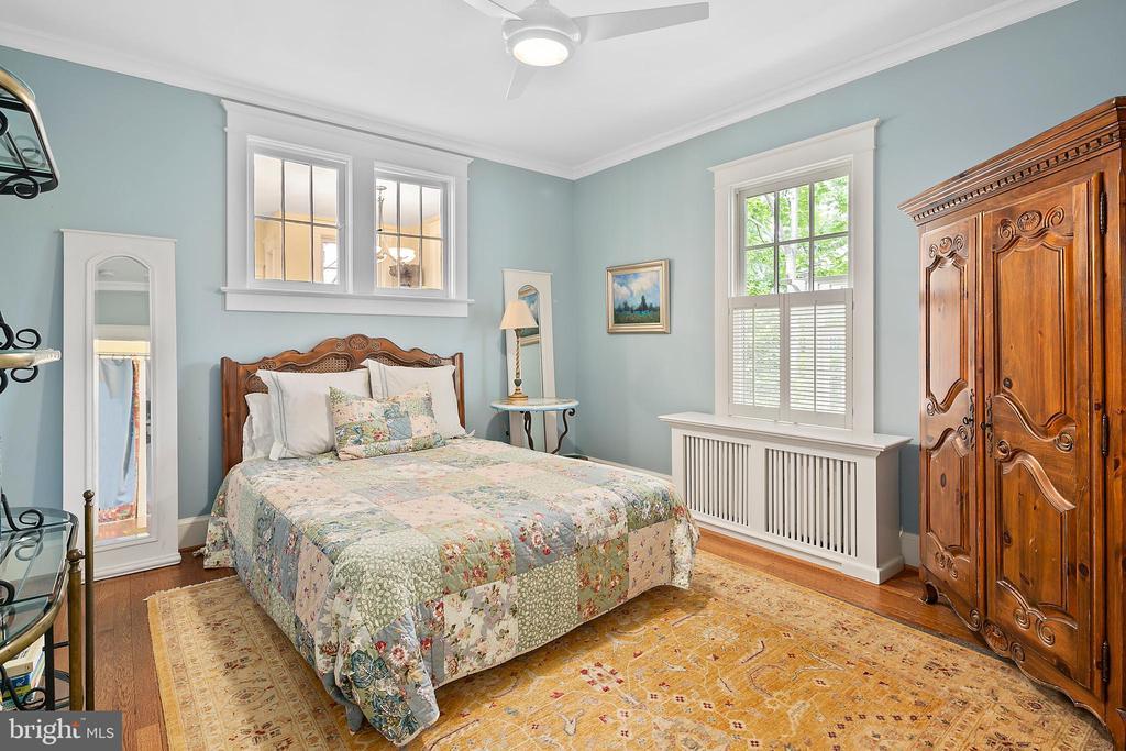 Main level bedroom - 1604 N CLEVELAND ST, ARLINGTON