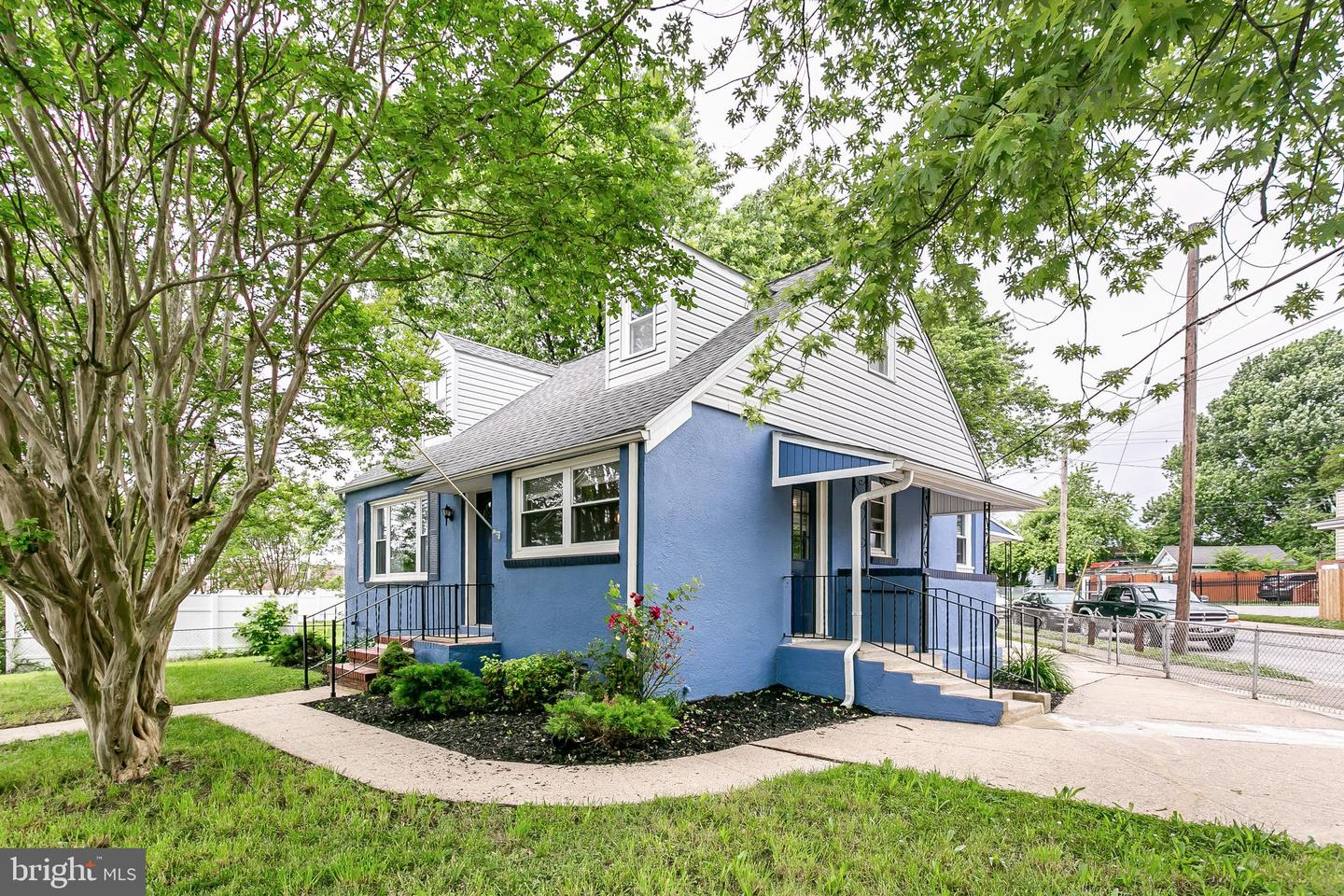 Single Family for Sale at 6724 German Hill Rd Baltimore, Maryland 21222 United States