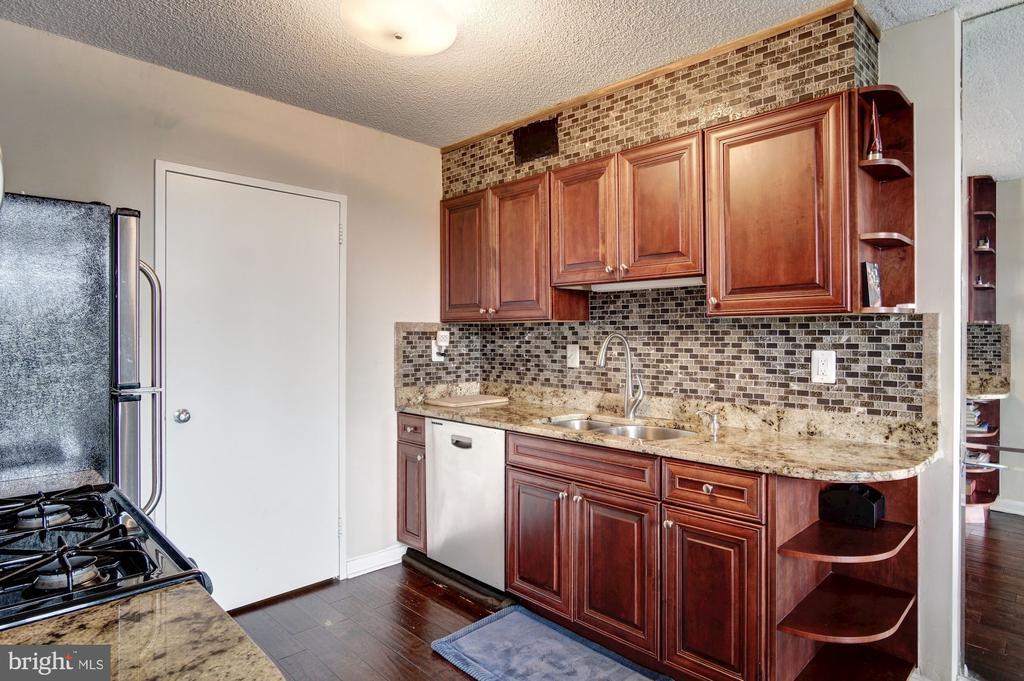 Kitchen - 240 M ST SW #E414, WASHINGTON