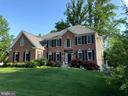 - 7612 FISHER DR, FALLS CHURCH