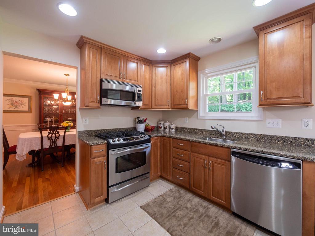 Kitchen - 8104 LANGBROOK RD, SPRINGFIELD