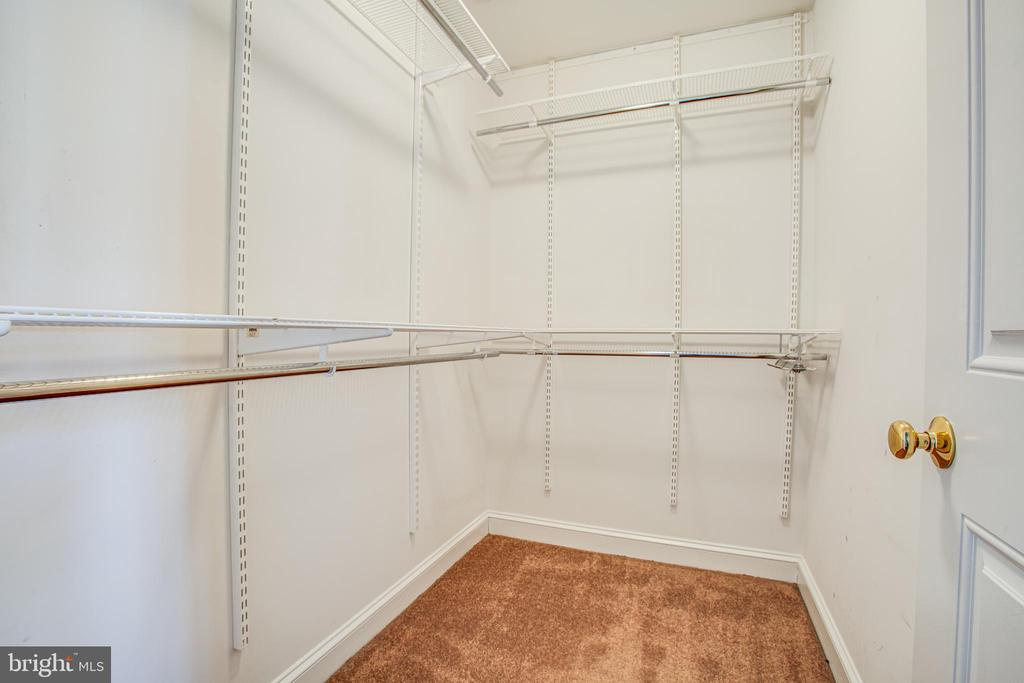 Master Bedroom Duel Walk In Closets - 902 S QUINCY ST, ARLINGTON