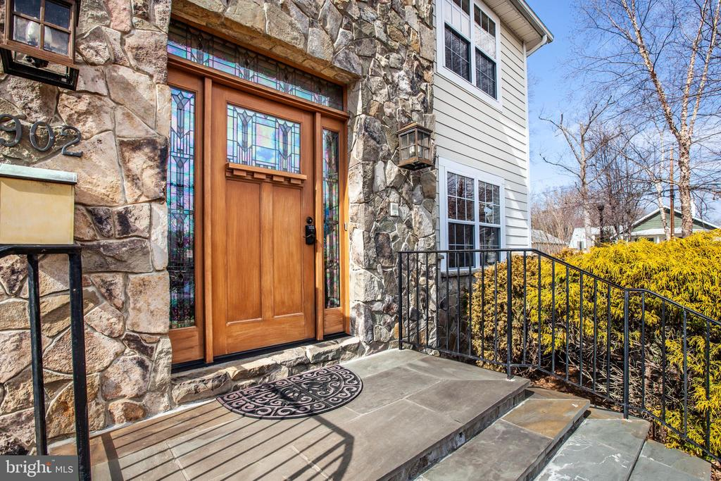 Welcome Home - 902 S QUINCY ST, ARLINGTON