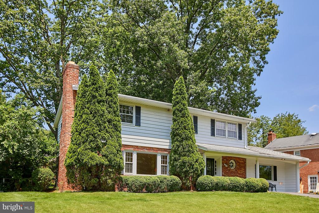- 2430 CARON LN, FALLS CHURCH