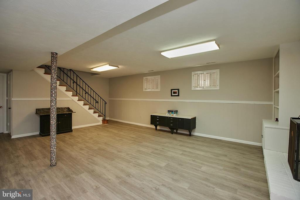 So much additional space for fun! - 2430 CARON LN, FALLS CHURCH