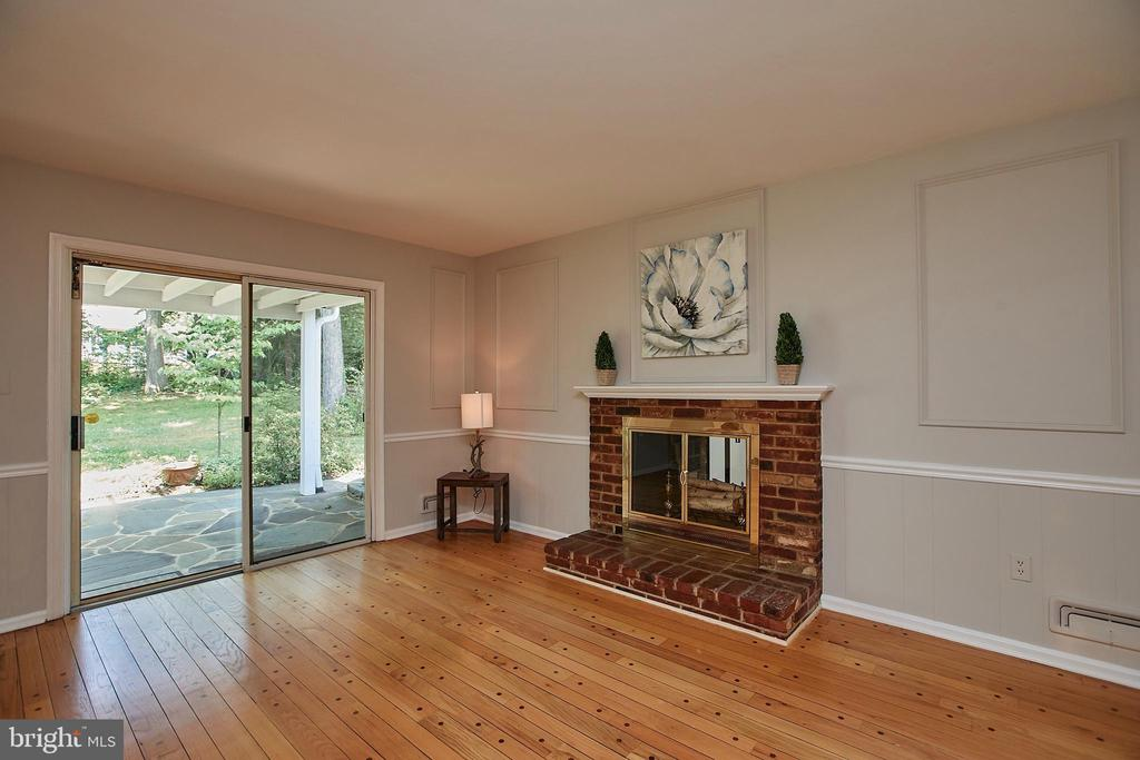 Family Room off Kitchen - 2430 CARON LN, FALLS CHURCH