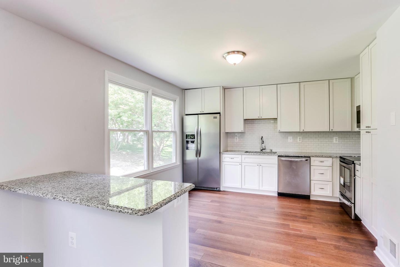 Additional photo for property listing at 10342 Lombardi Dr Ellicott City, Maryland 21042 United States