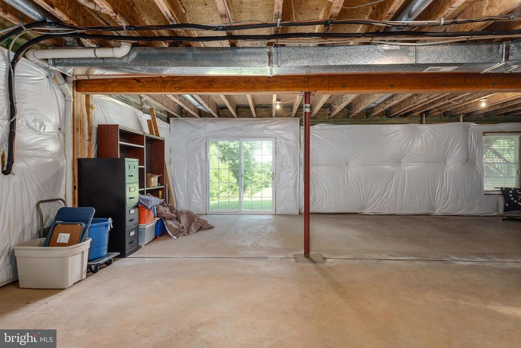Walk out sliding door and window in basement. - 51 RIVER RIDGE LN, FREDERICKSBURG