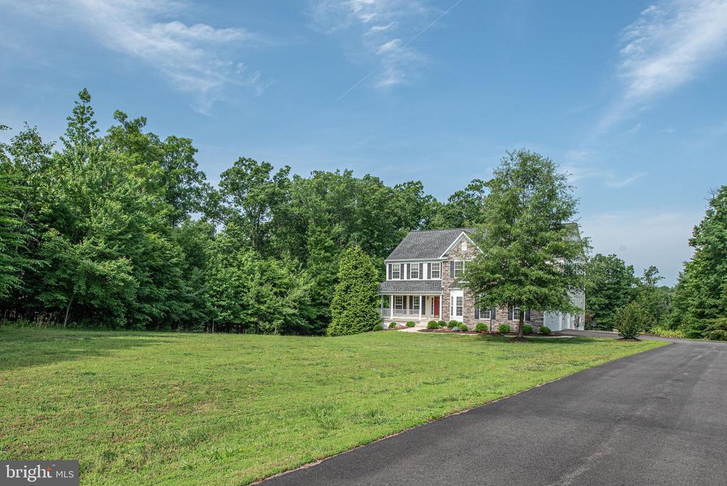 View as you come up the driveway to front of home. - 51 RIVER RIDGE LN, FREDERICKSBURG