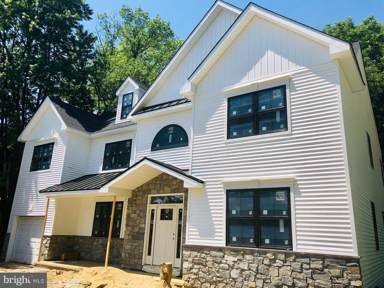 Single Family Homes para Venda às Haddonfield, Nova Jersey 08033 Estados Unidos