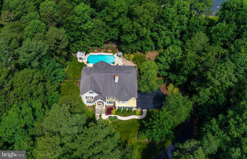 Fawn Lake Dream Home wit swimming pool! - 11400 STONEWALL JACKSON DR, SPOTSYLVANIA