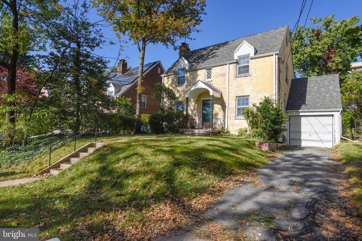 other residential homes for Rent at 4805 Wellington Dr 4805 Wellington Dr Chevy Chase, Maryland 20815 United States