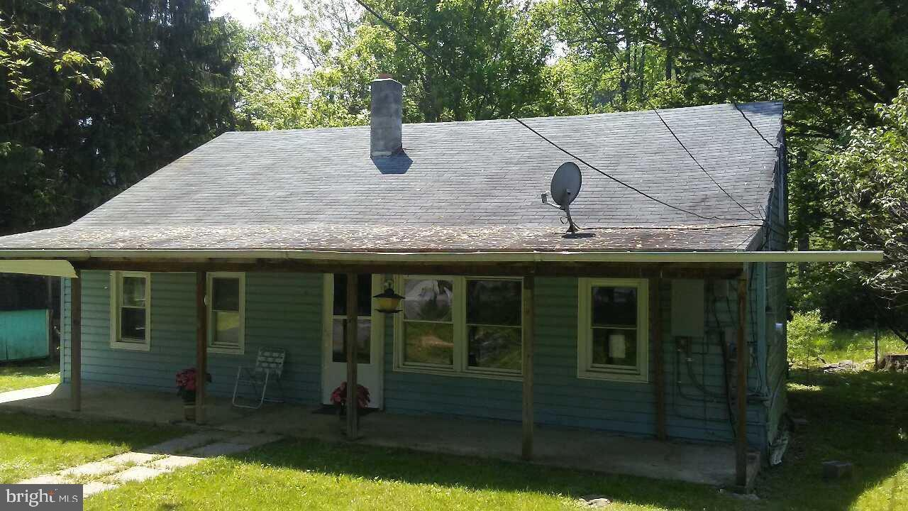 Single Family for Sale at 17334 Sabillasville Rd Sabillasville, Maryland 21780 United States