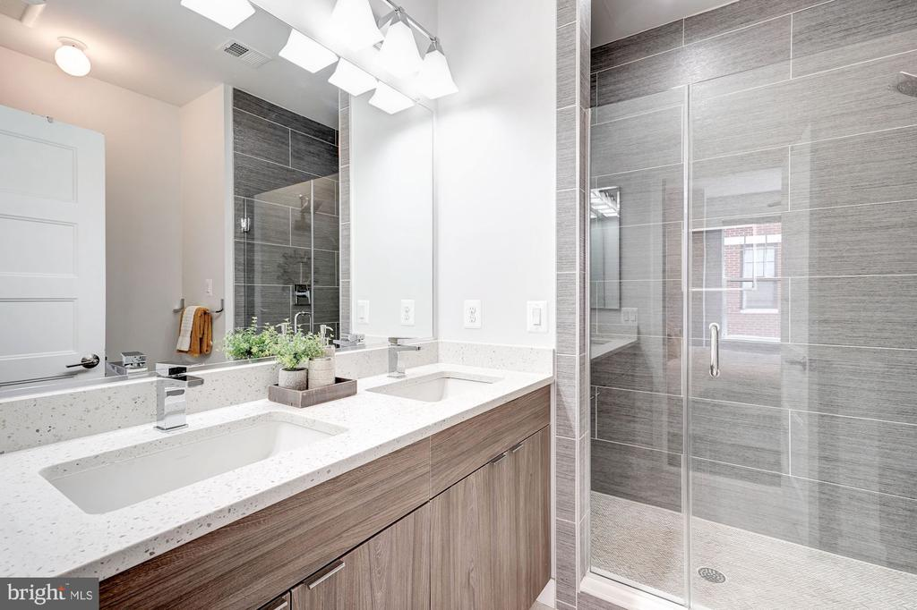 Master bathroom - 3338 7TH ST NE, WASHINGTON