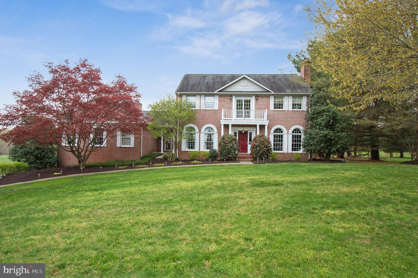 Single Family for Sale at 321 Quailhill Dr Brookeville, Maryland 20833 United States