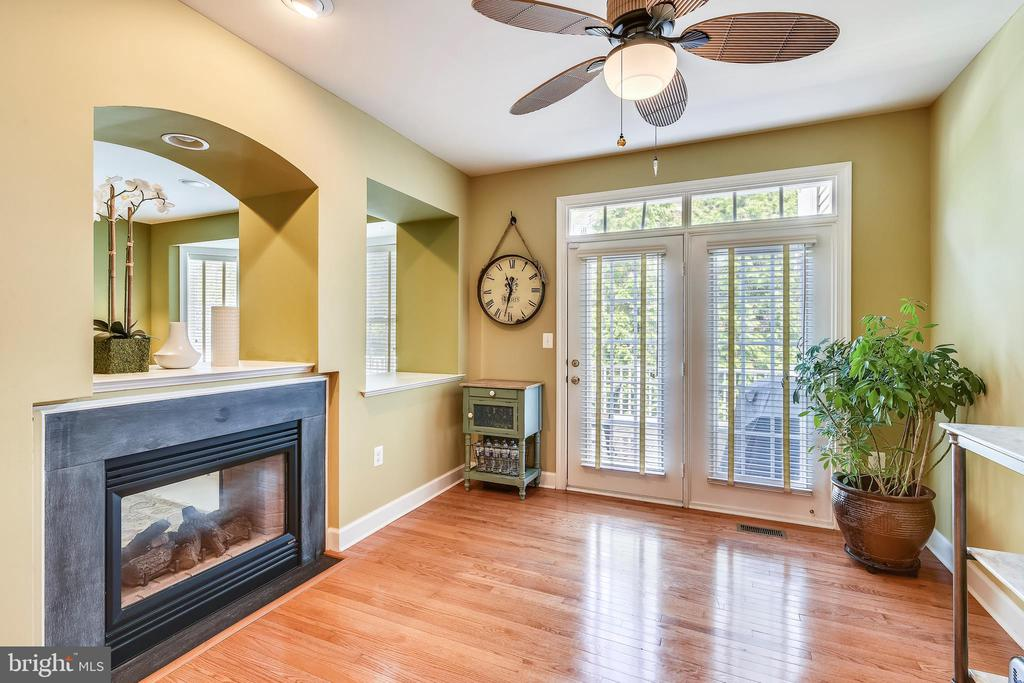 Breakfast Room w/walkout to Deck - 43476 CASTLE HARBOUR TER, LEESBURG