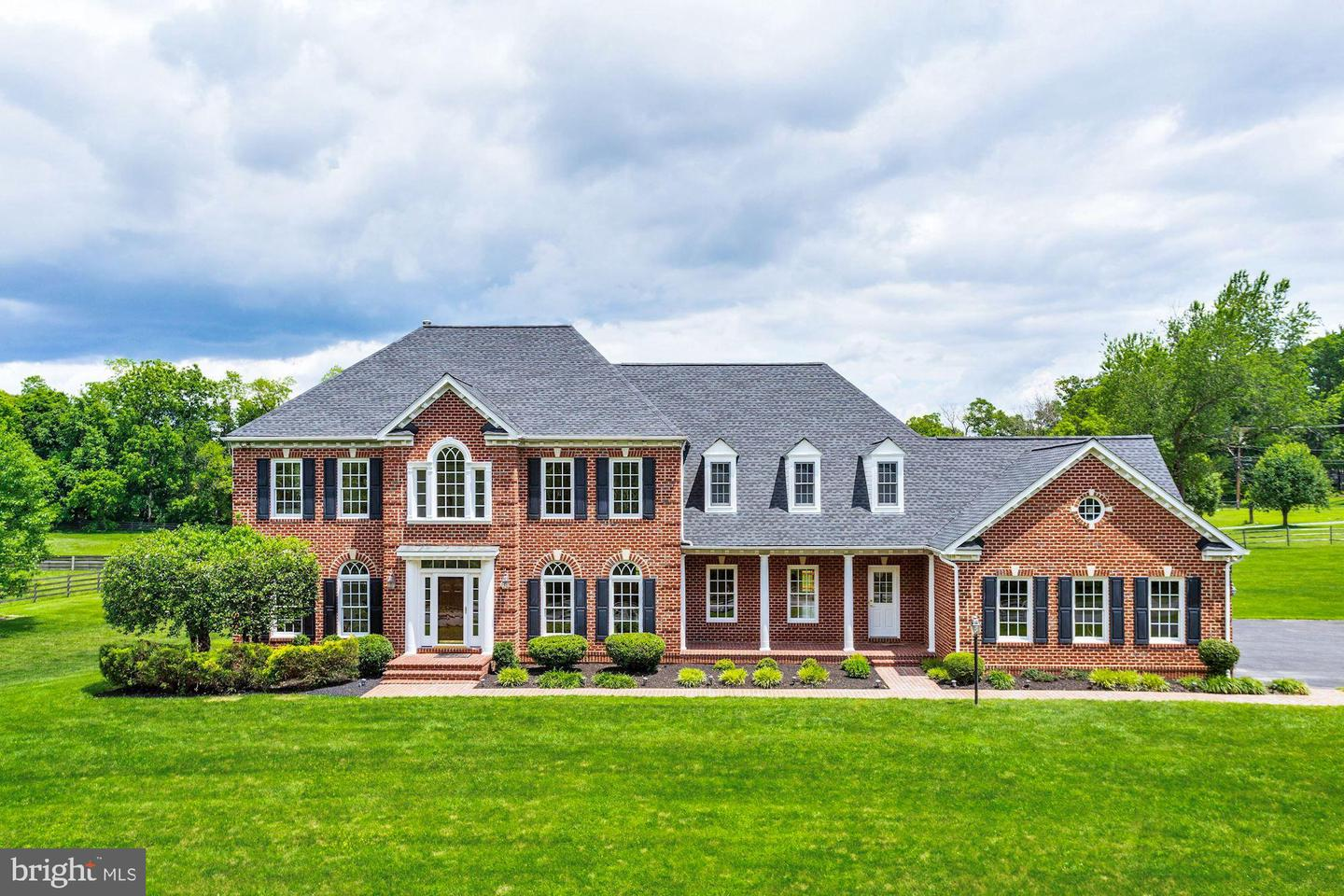 Single Family for Sale at 5901 Granby Rd Derwood, Maryland 20855 United States