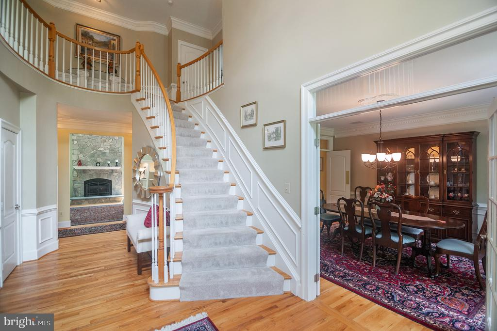 Grand 2-story foyer. - 12009 BENNETT FARMS CT, OAK HILL