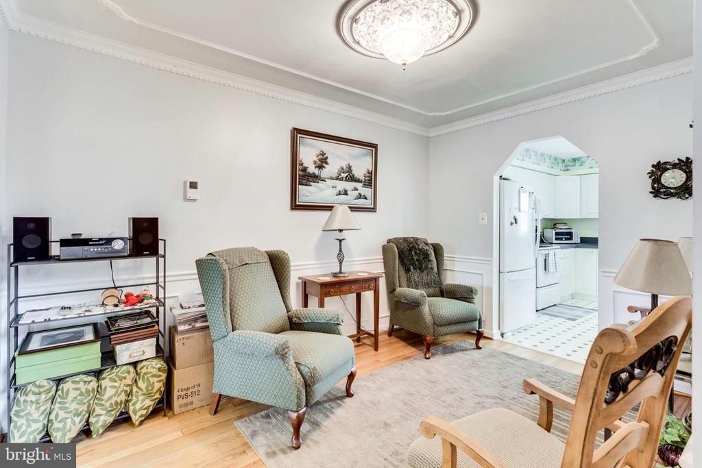Living Room - 7332 MALLORY CIR, ALEXANDRIA
