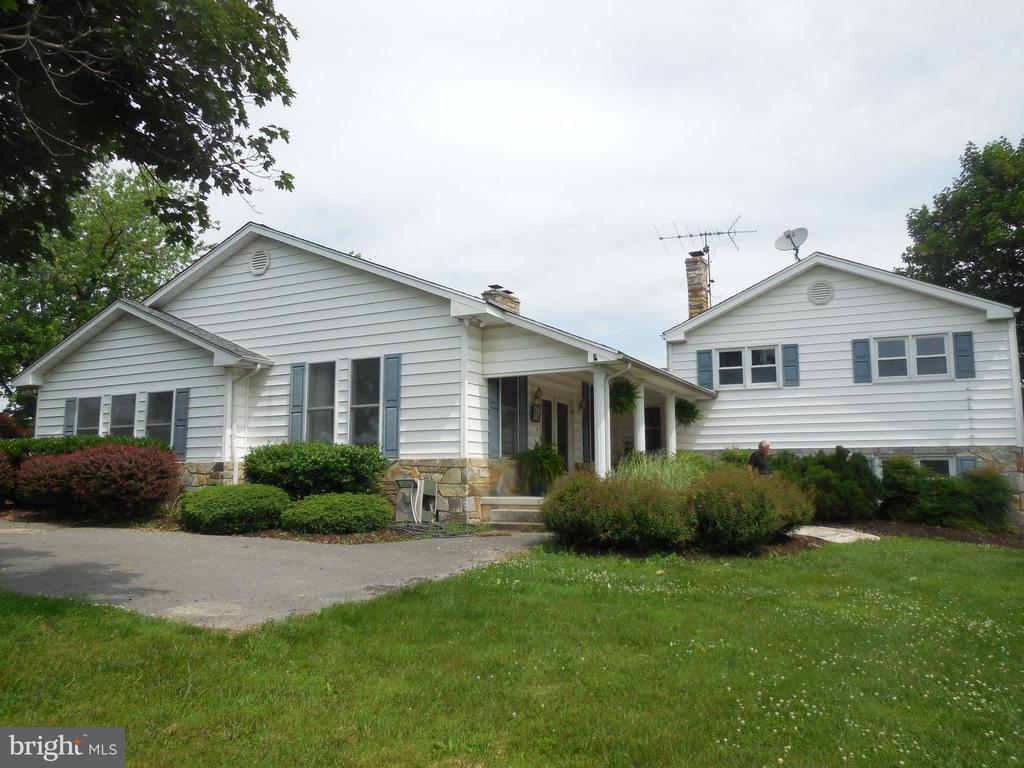 Side of the home - 1105 REDBUD RD, WINCHESTER