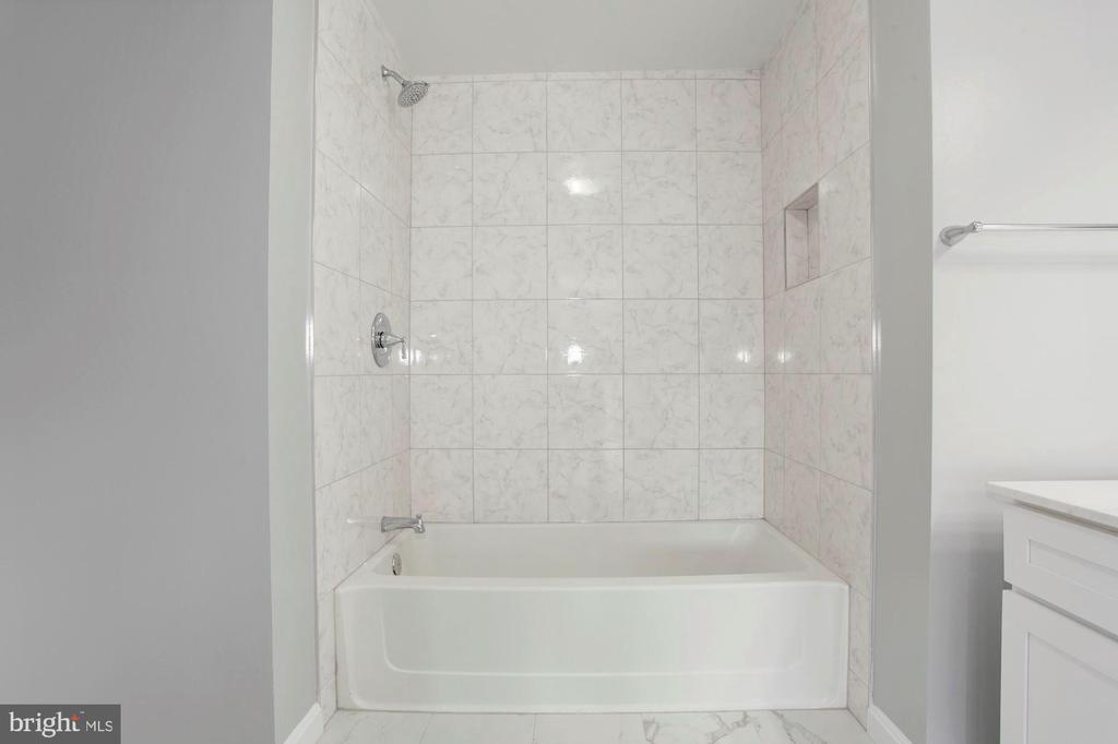 ~Marble Tiling - 4153 CHURCHMAN WAY #5, WOODBRIDGE