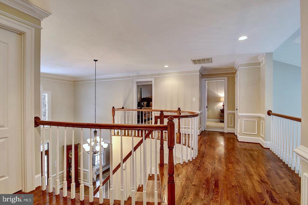 Upper level landing - 1298 STAMFORD WAY, RESTON
