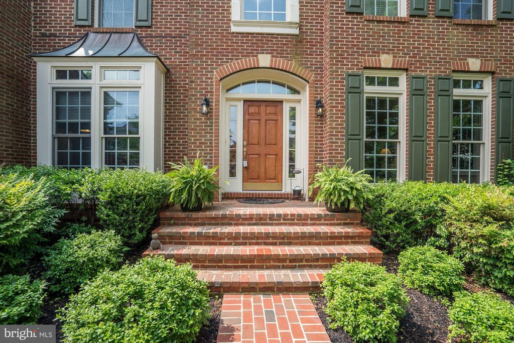 Welcome home! - 47297 OX BOW CIR, STERLING