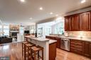 Gourmet kitchen - 47297 OX BOW CIR, STERLING