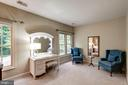 Sitting area in master bedroom - 47297 OX BOW CIR, STERLING