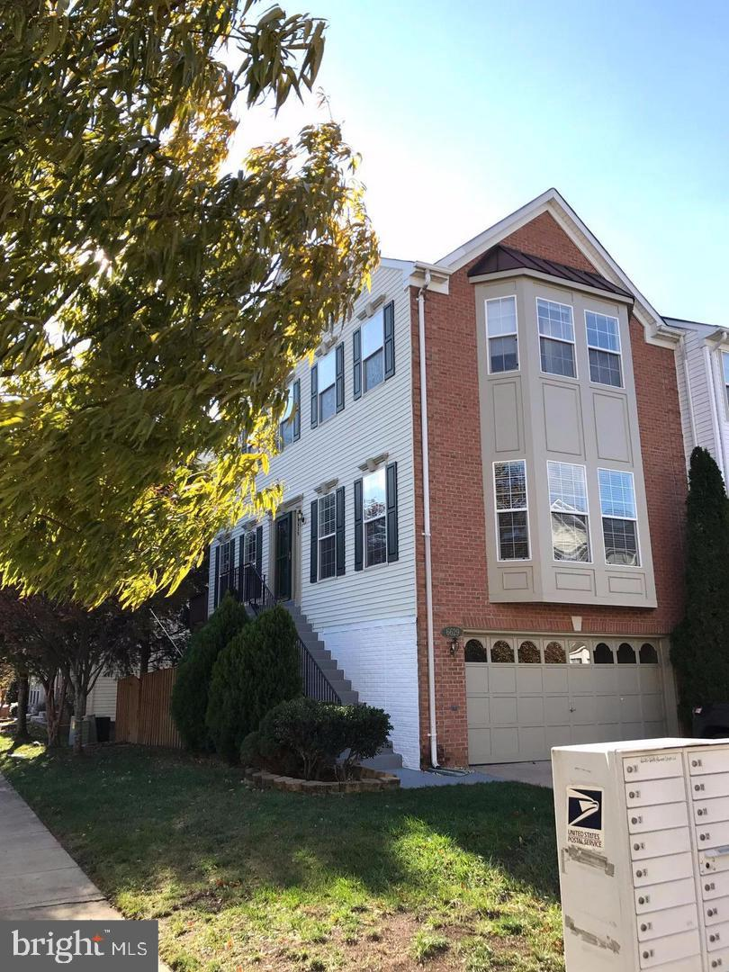 other residential homes for Rent at 6629 Hunter Creek Ln 6629 Hunter Creek Ln Alexandria, Virginia 22315 United States