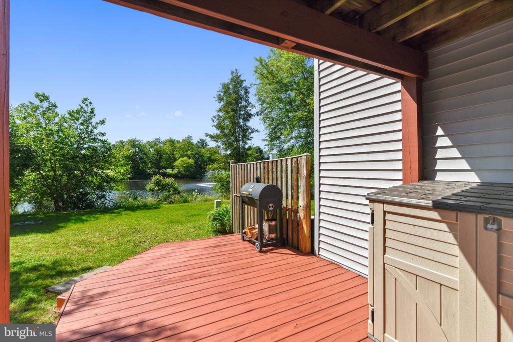 Enjoy the views of the pond! - 21252 HEDGEROW TER, ASHBURN