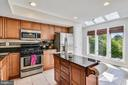 Bright and Beautifully Updated Kitchen - 21252 HEDGEROW TER, ASHBURN