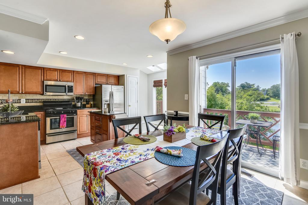 Dining Room Right Off the Kitchen - 21252 HEDGEROW TER, ASHBURN