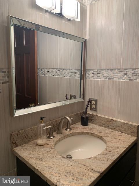 Powder Room - 1602 MONTMORENCY DR, VIENNA