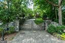Gated front entry with automated security gate - 3812 MILITARY RD, ARLINGTON