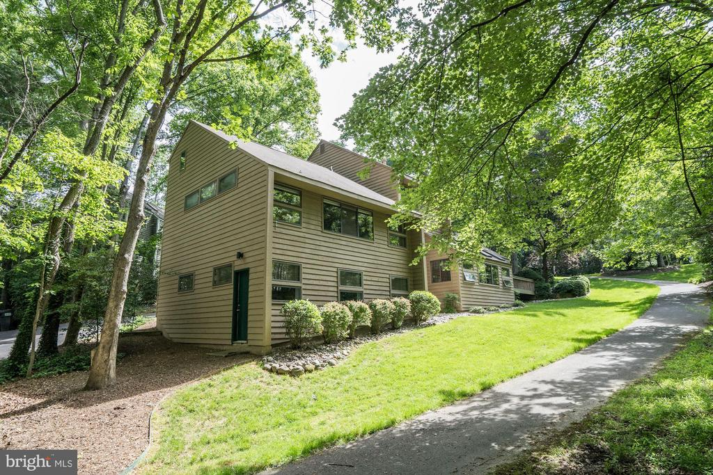 Master bedroom and rec room addition - 2272 COMPASS POINT LN, RESTON