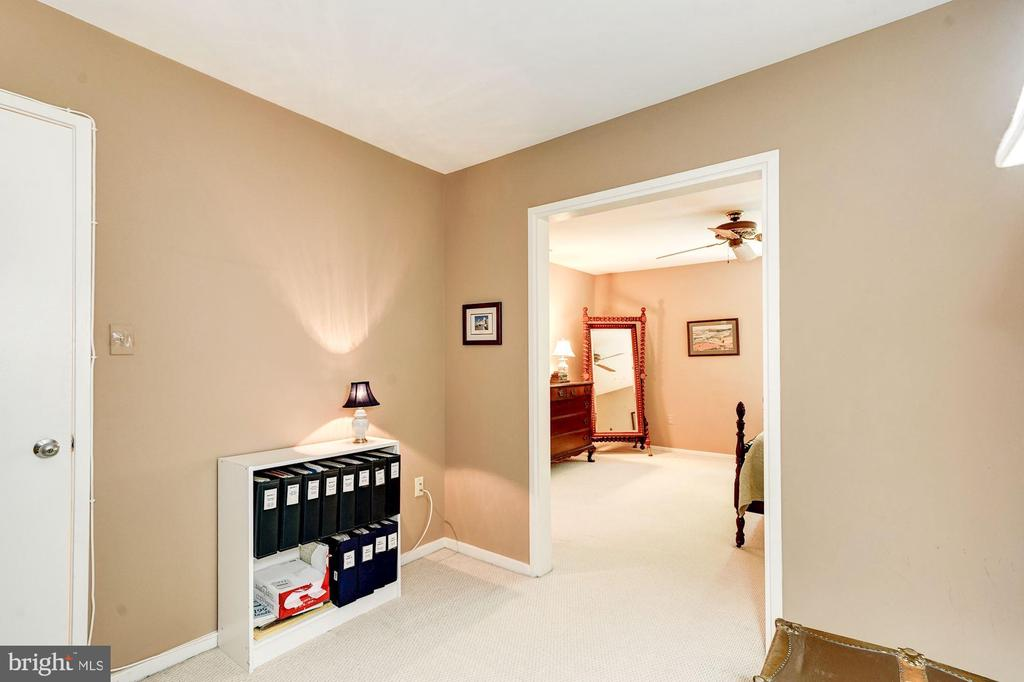 Master bedroom sitting room - 2272 COMPASS POINT LN, RESTON