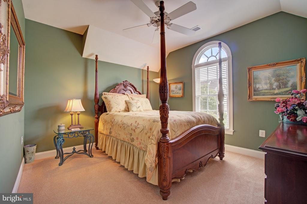 Bedroom #4 - Princess Suite - 42436 MORELAND POINT CT, ASHBURN