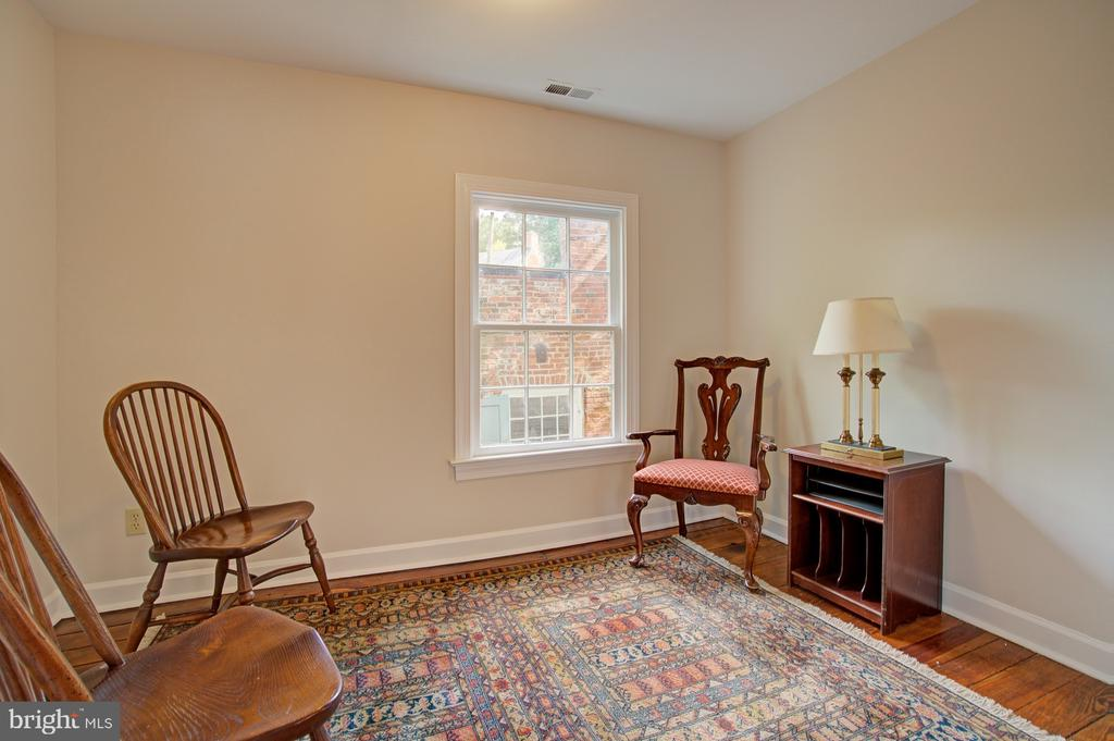 Reading nook/nursery or toy room - 15481 SECOND ST, WATERFORD
