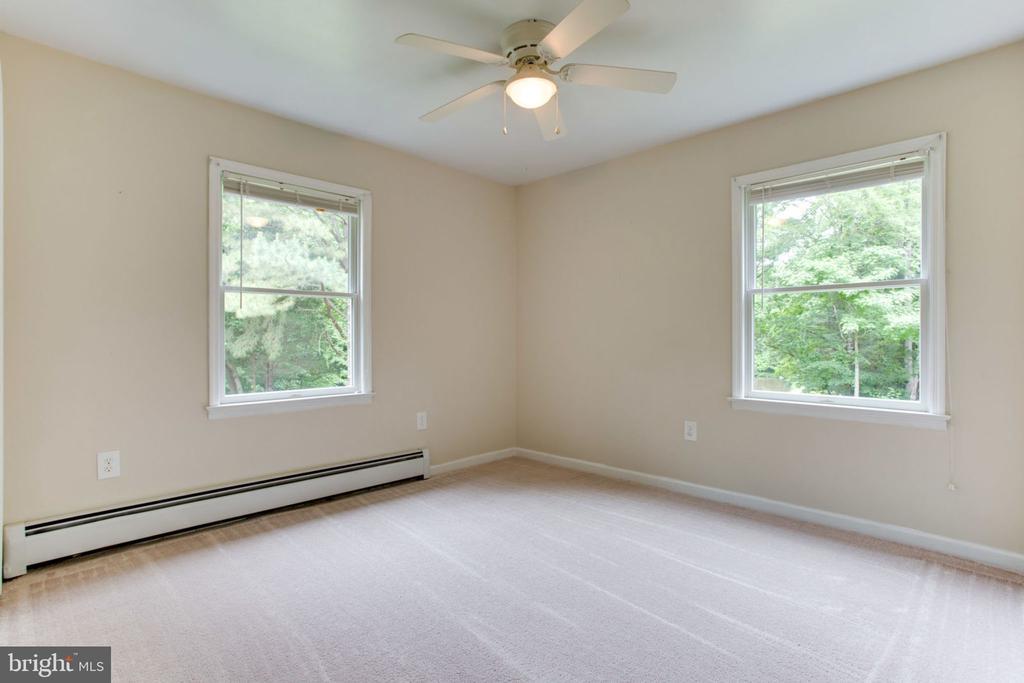 Bedroom #2 with New Carpet - 6800 TOKEN VALLEY RD, MANASSAS