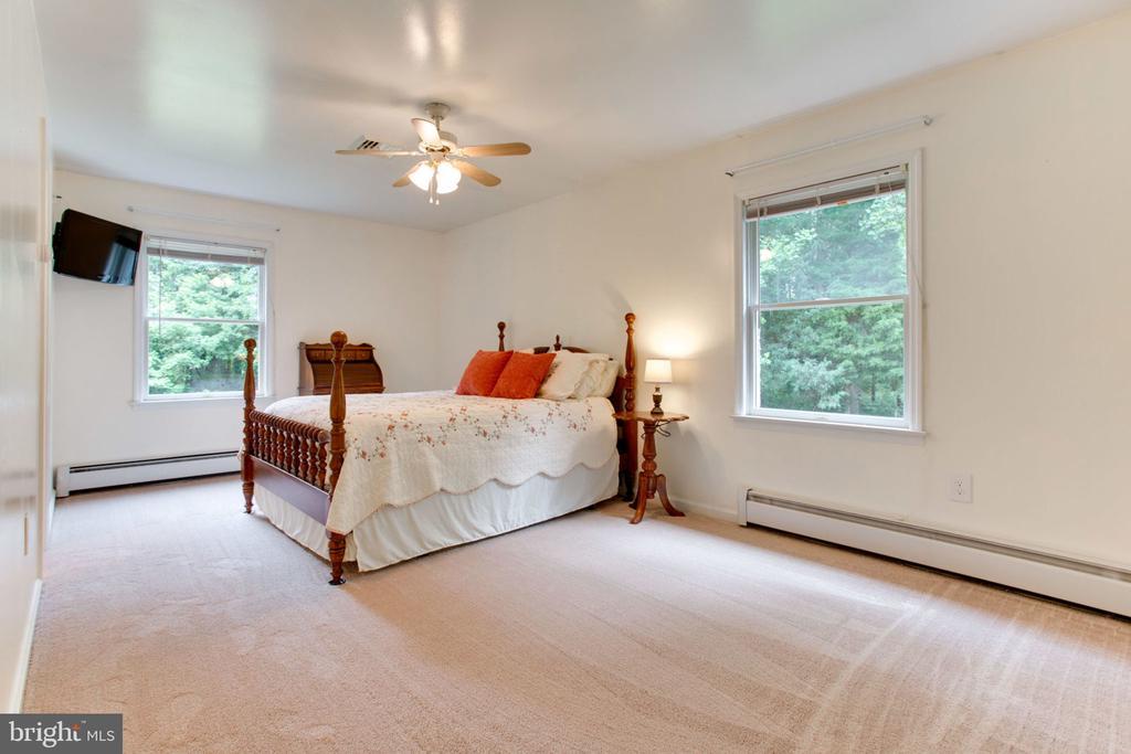 Master Bedroom with New Carpet - 6800 TOKEN VALLEY RD, MANASSAS